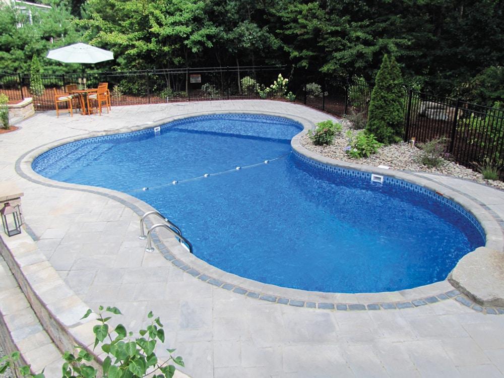 custom pool toronto