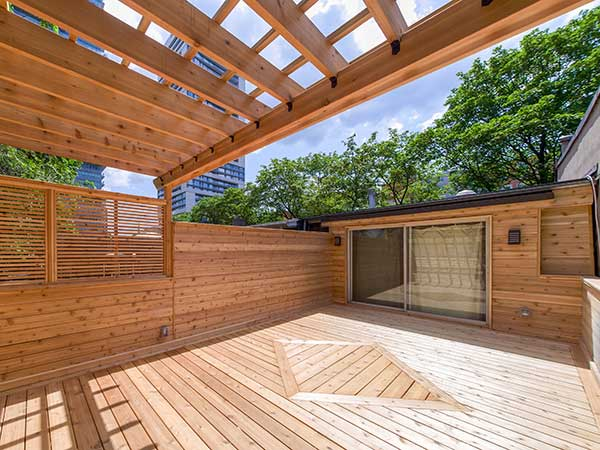 covered cedar deck by green side up contracting
